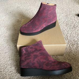 Lucky Brand KARMEYA Waterproof Boots Sugar Red 8.5